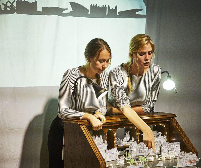 Miniatuurtheatervoorstelling in de kleine studio